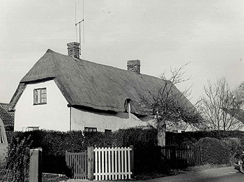 109 to 113 Village Road in 1962 [Z53/21/15]